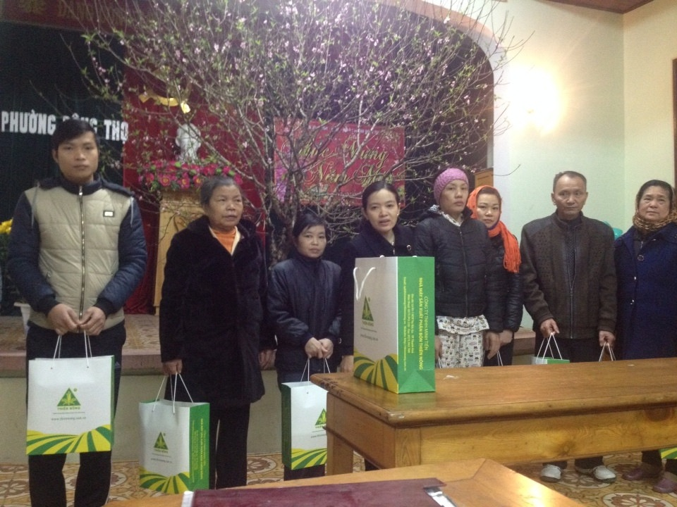Thiên Nông trao quà tết cho các hộ nghèo tại địa bàn phường Đông Thọ – TP Thanh Hóa