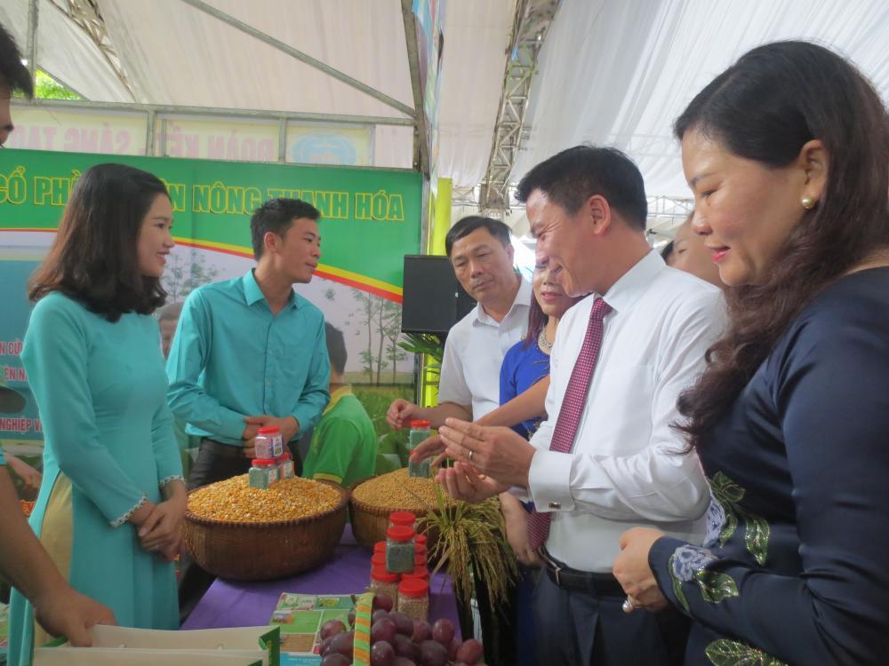 Nhãn hàng phân bón Thiên Nông tham gia Hội nghị kết nối tiêu thụ sản phẩm tăng cường liên kết trong chuỗi cung ứng hàng Việt Nam.